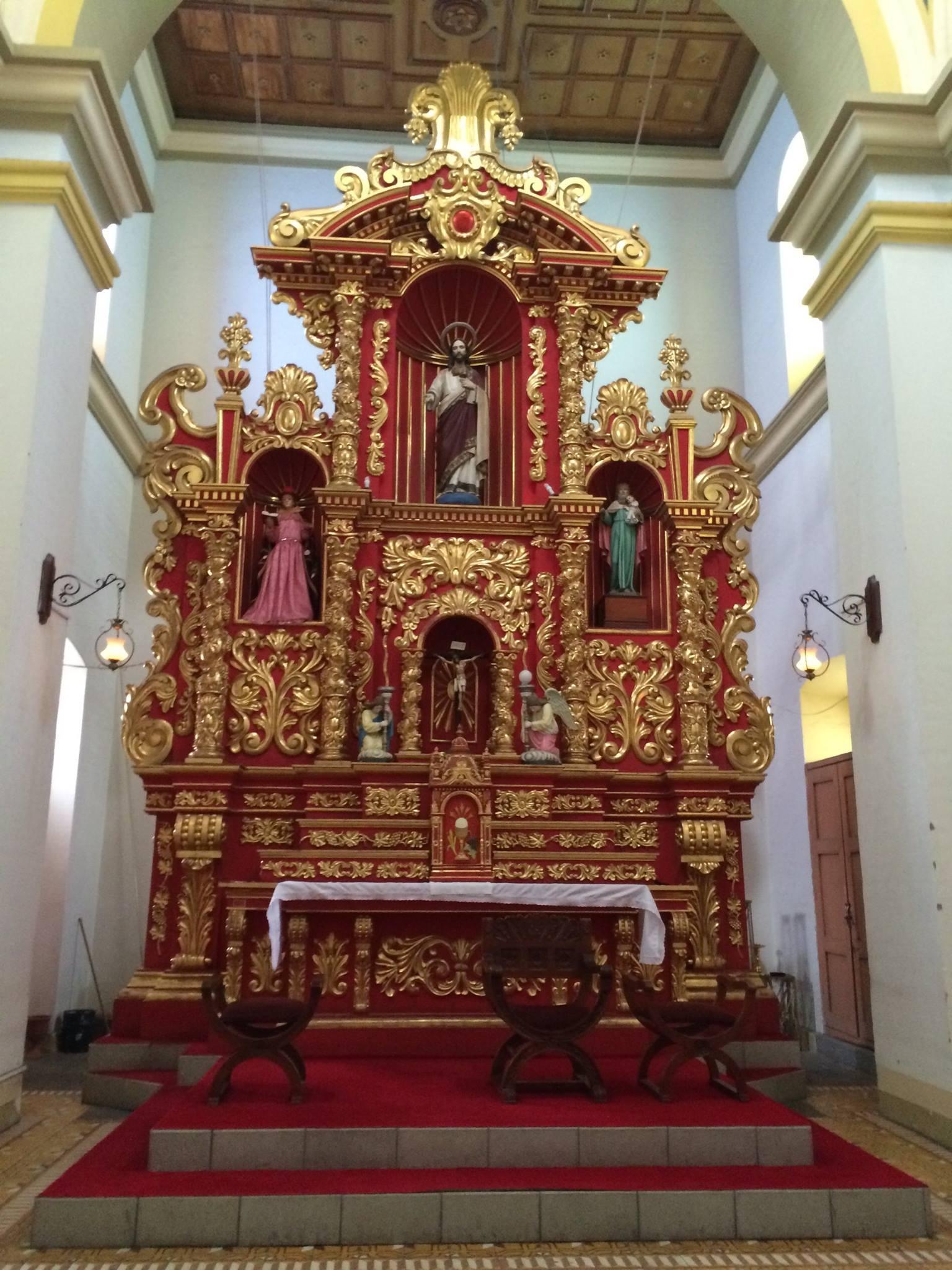 Cotacachi altar